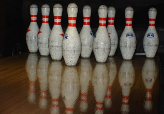 Kingston Bowling - gra w kręgle